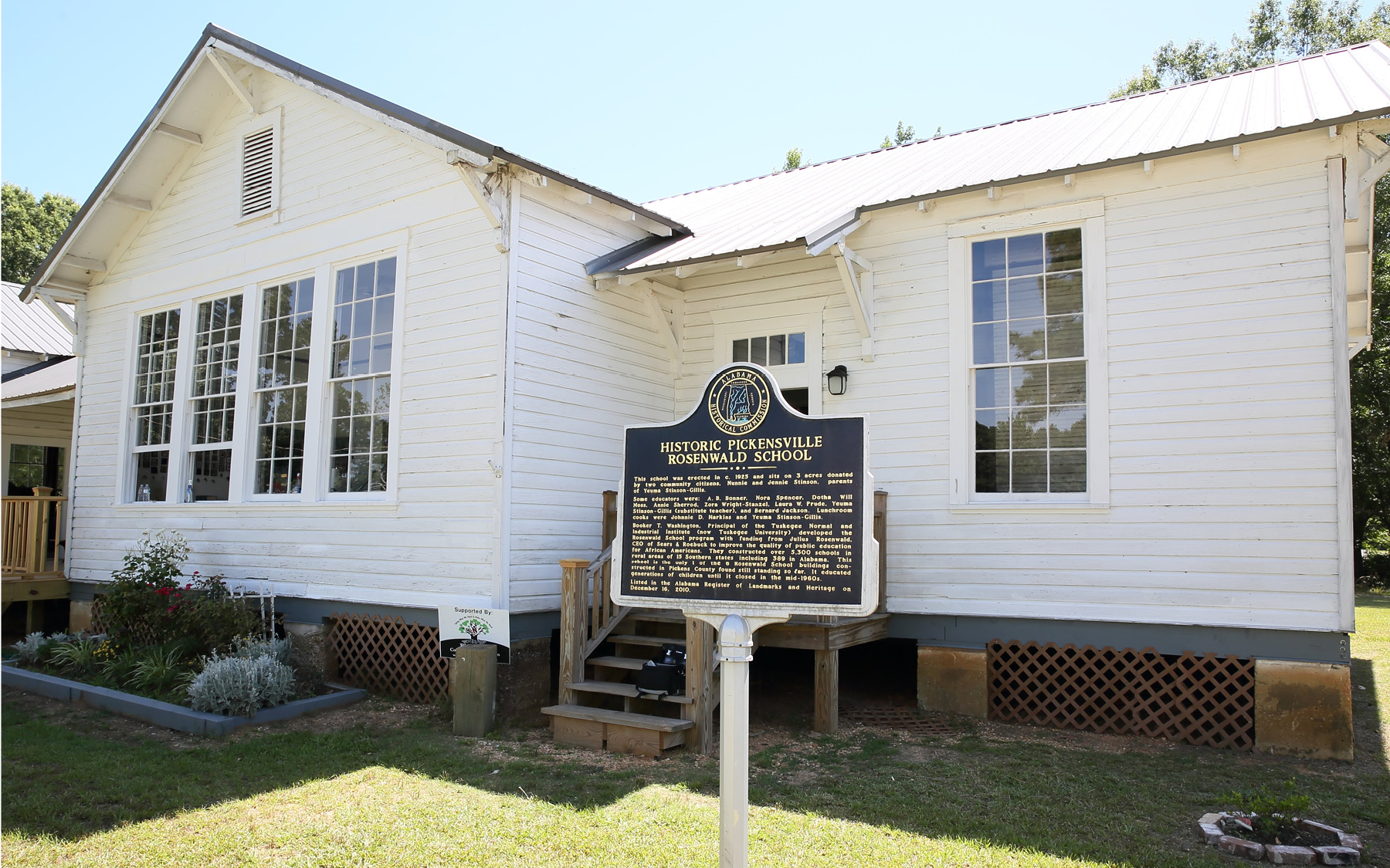 The Pickensville School in Pickens County, Alabama.